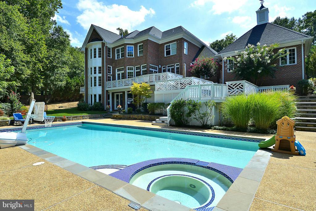 Heated Pool and Hot Tub - 1105 LEIGH MILL RD, GREAT FALLS