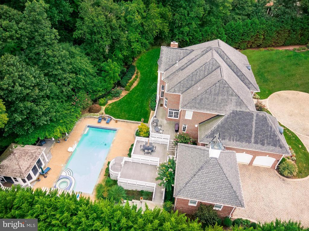 Grand Private Estate, 3.4 Miles to Tysons Corner - 1105 LEIGH MILL RD, GREAT FALLS