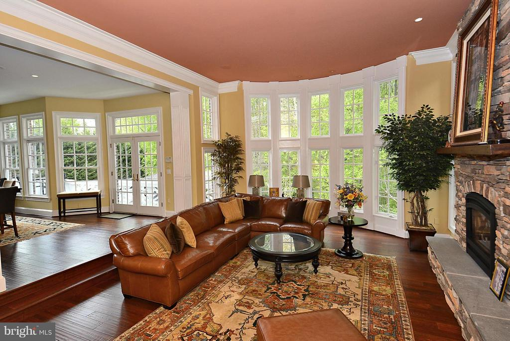 Grand Family Room with Floor to Ceiling Windows - 1105 LEIGH MILL RD, GREAT FALLS