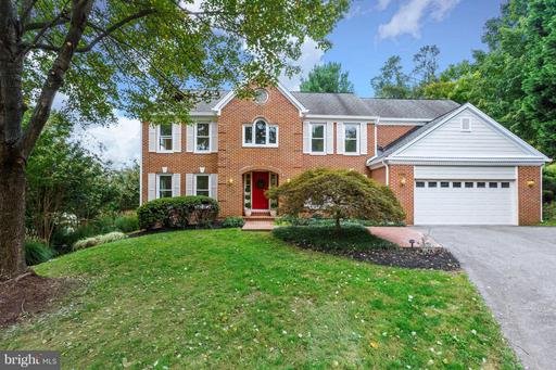 1702 CHESTERBROOK VALE CT