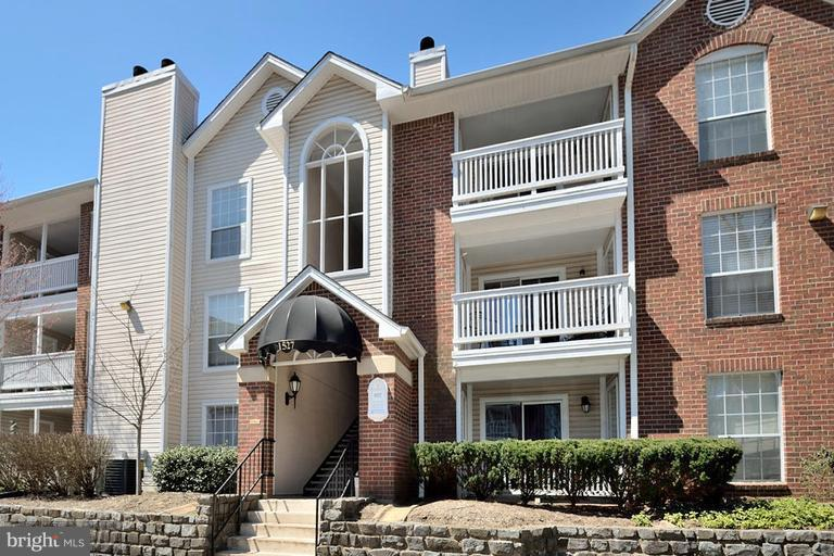 Exterior (Front) - 1527 LINCOLN WAY #204, MCLEAN
