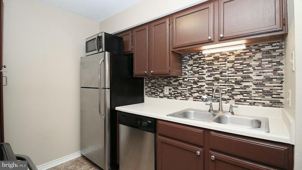Kitchen - 1527 LINCOLN WAY #204, MCLEAN