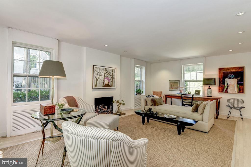 Living Room - 5155 ROCKWOOD PKWY NW, WASHINGTON