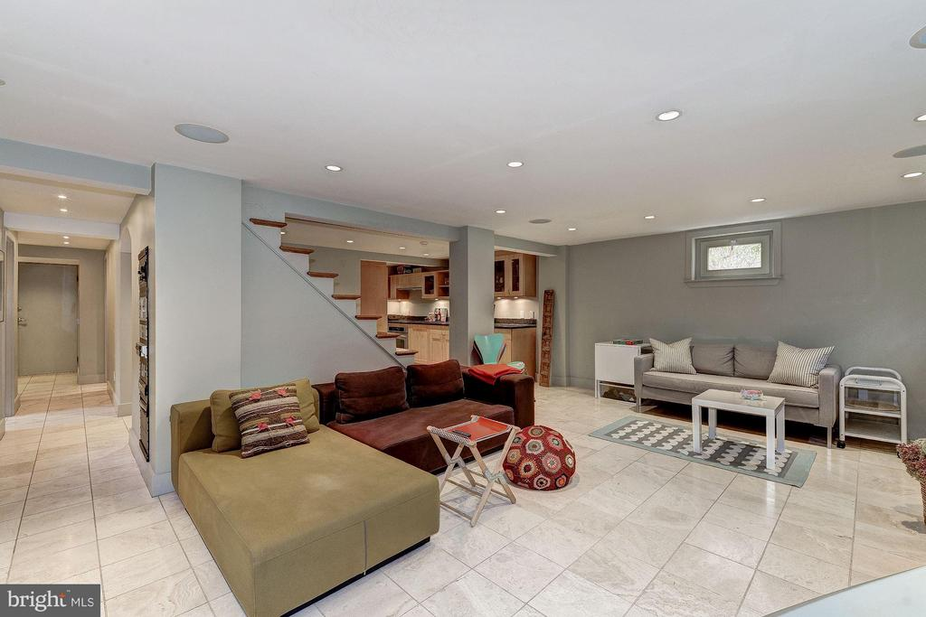 Lower Level Family Room - 5155 ROCKWOOD PKWY NW, WASHINGTON