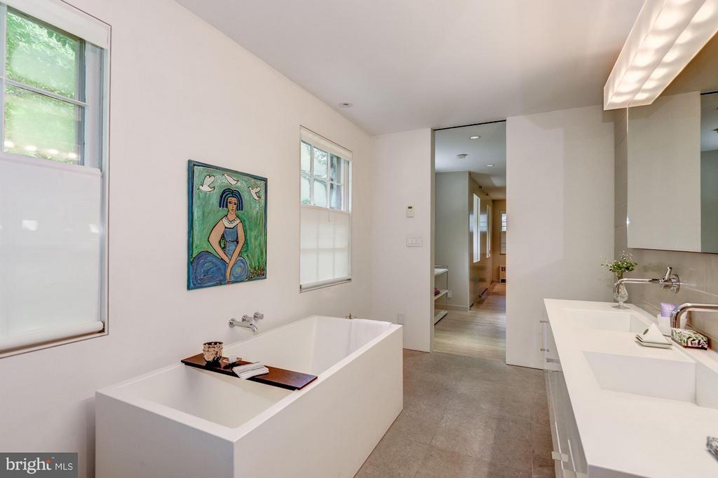 Bath (Master) - 5155 ROCKWOOD PKWY NW, WASHINGTON