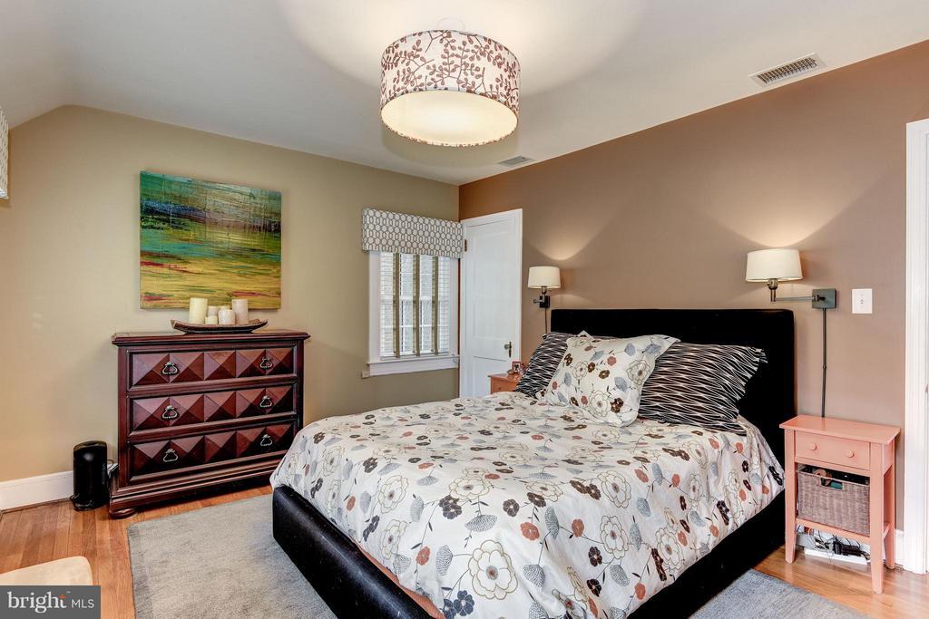 Bedroom (Master) - 6343 UTAH AVE NW, WASHINGTON