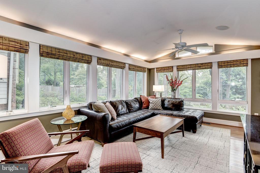 Family Room - 6343 UTAH AVE NW, WASHINGTON