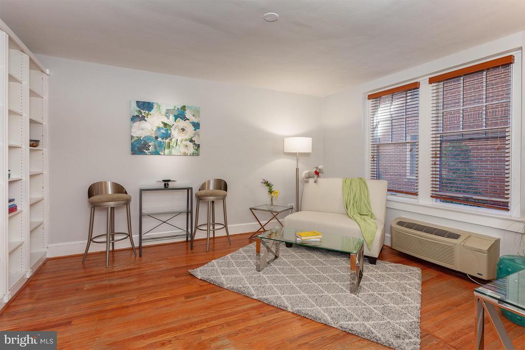 Living Room - 2410 20TH ST NW #107, WASHINGTON