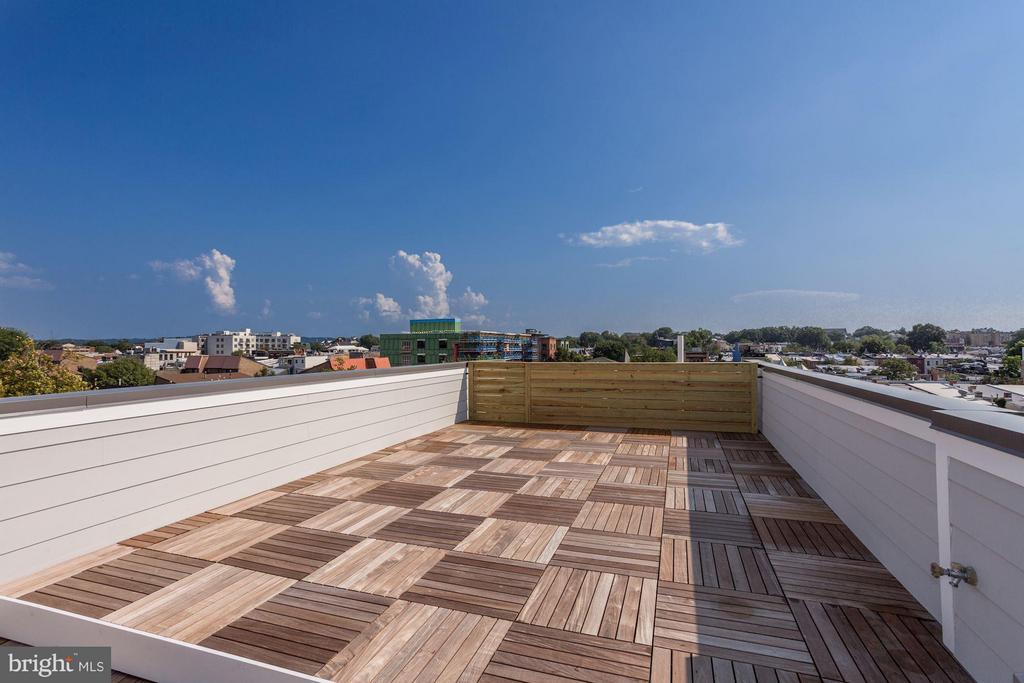 Roof Deck - 1242 I ST NE, WASHINGTON