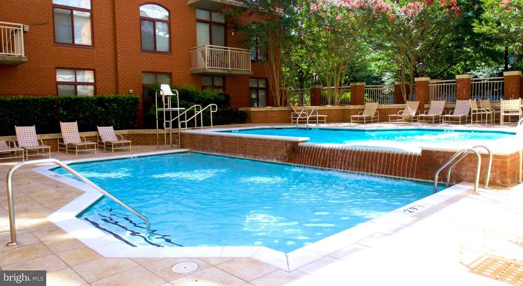 Community - 1205 GARFIELD ST N #810, ARLINGTON