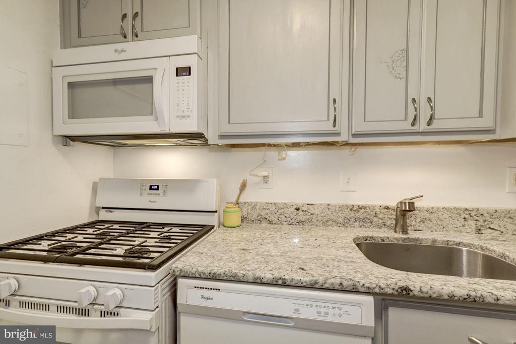 Kitchen - 2711 ORDWAY ST NW #105, WASHINGTON