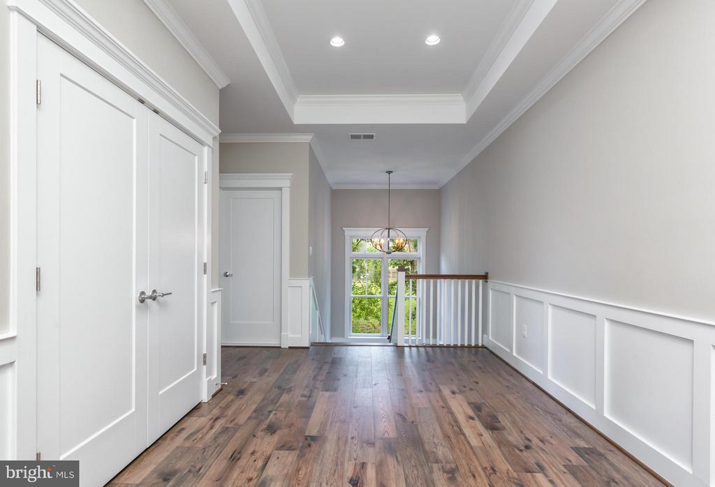 Second Level Hallway - 2231 SANDBURG ST, DUNN LORING