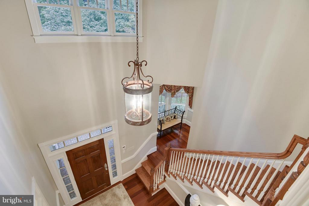 Foyer from upper level. - 2702 24TH ST N, ARLINGTON