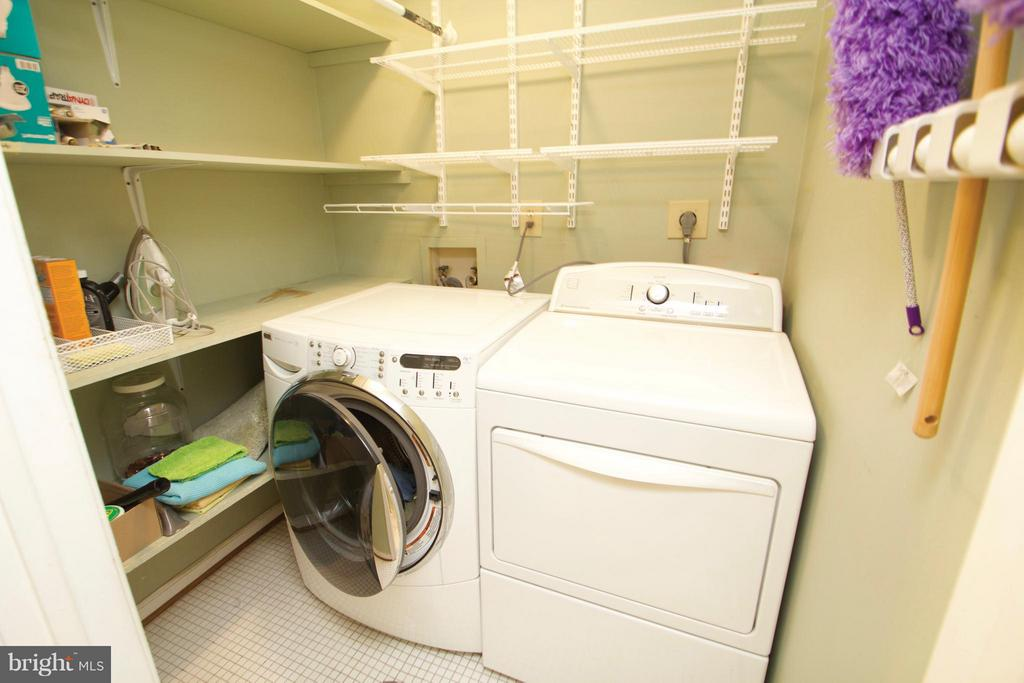 Bedroom-Level Laundry - 10831 BREWER HOUSE RD, ROCKVILLE