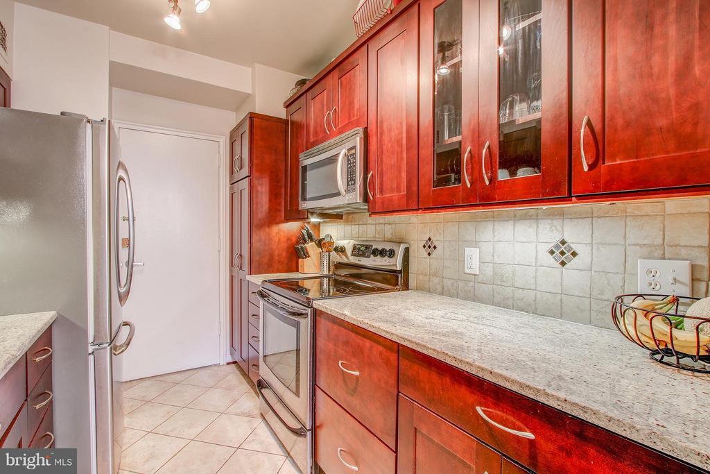 Kitchen - 4740 CONNECTICUT AVE NW #318, WASHINGTON