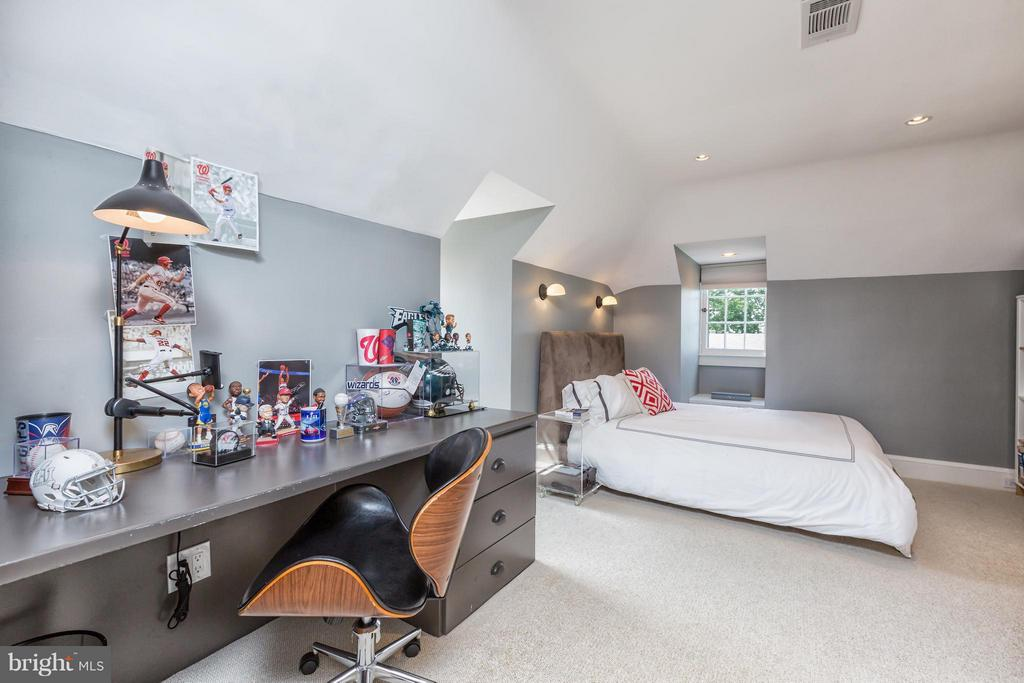 Bedroom - 2435 TRACY PL NW, WASHINGTON