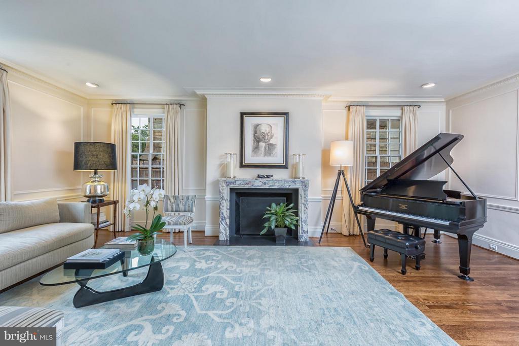 Living Room - 2435 TRACY PL NW, WASHINGTON