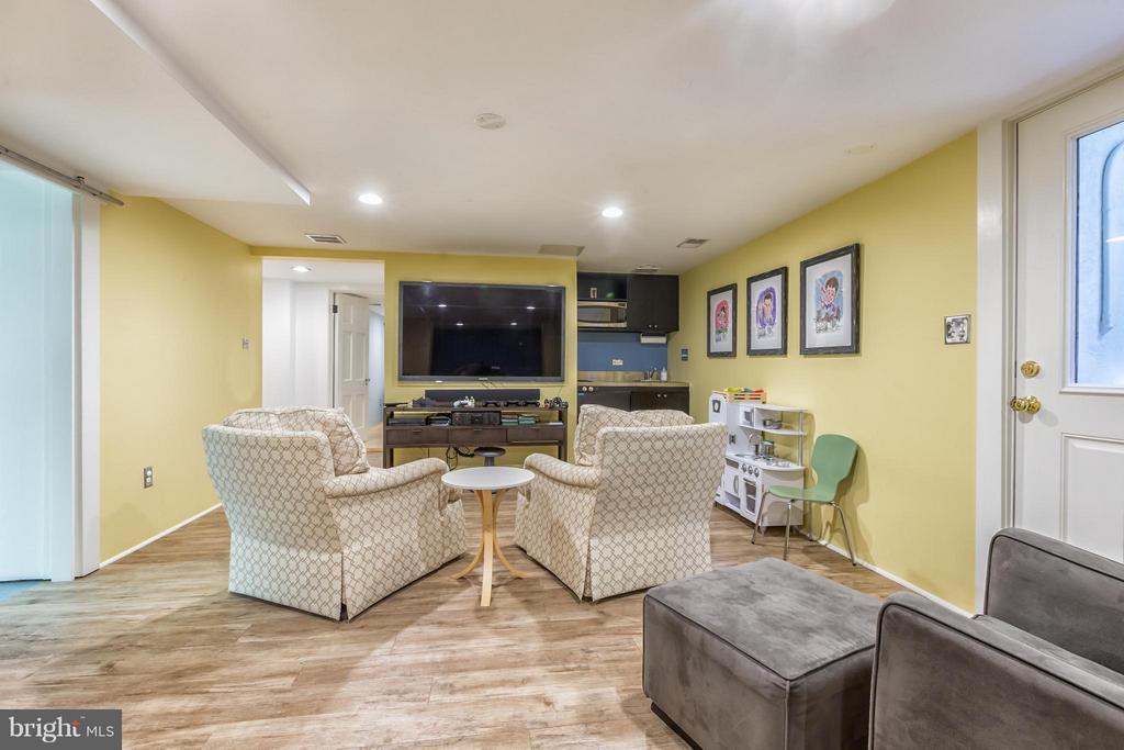 Lower Level Family Room - 2435 TRACY PL NW, WASHINGTON
