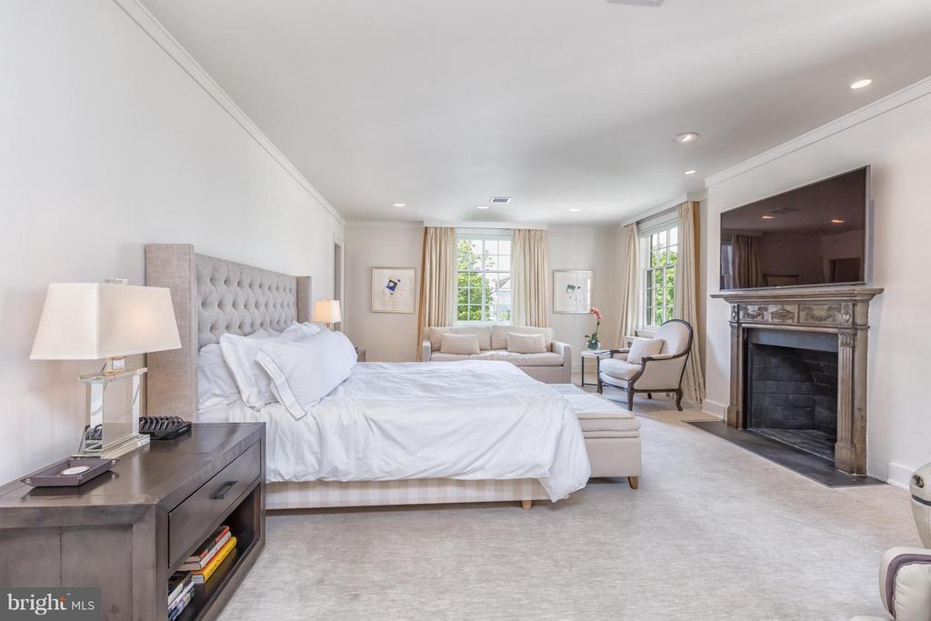 Bedroom (Master) - 2435 TRACY PL NW, WASHINGTON