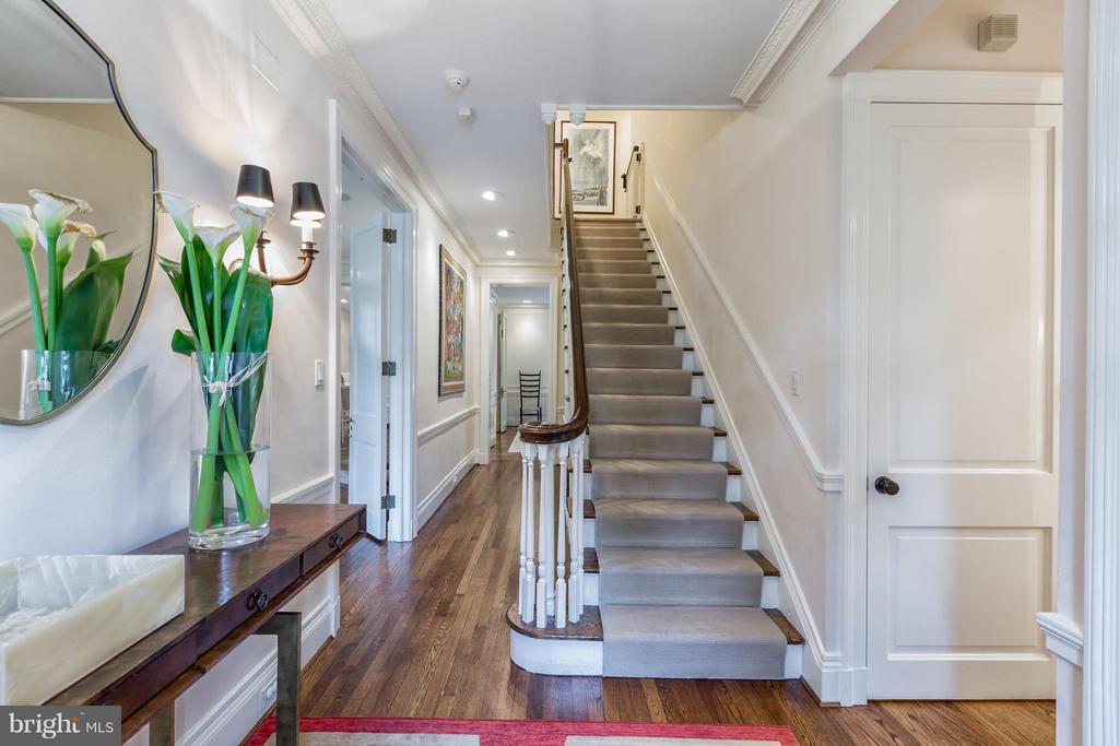 Entry Foyer - 2435 TRACY PL NW, WASHINGTON