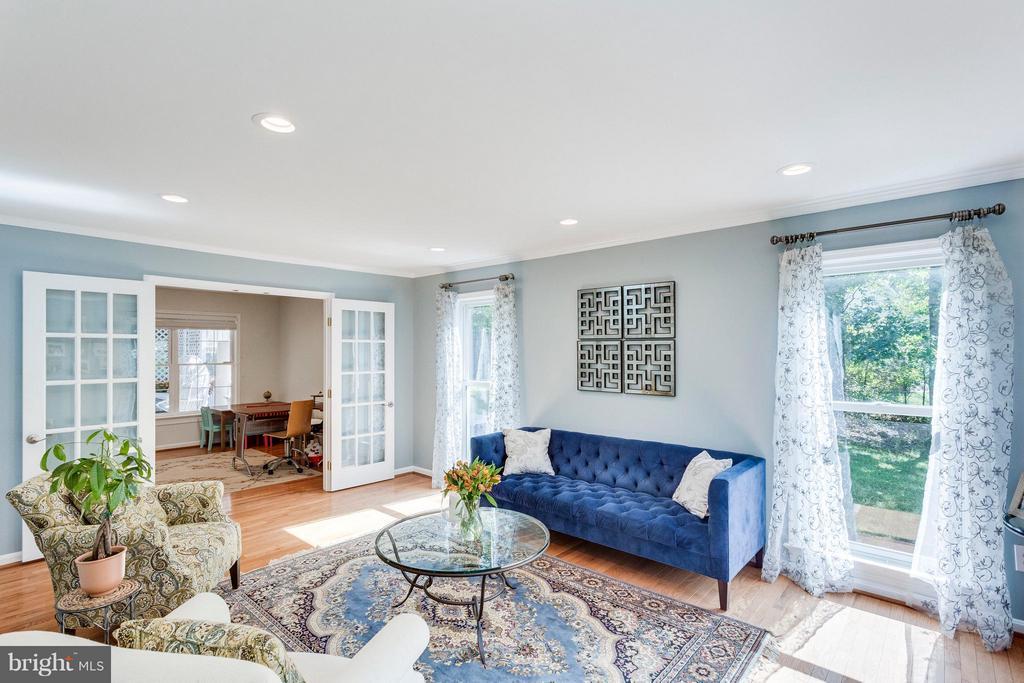 Living Room - 3419 MILLER HEIGHTS RD, OAKTON