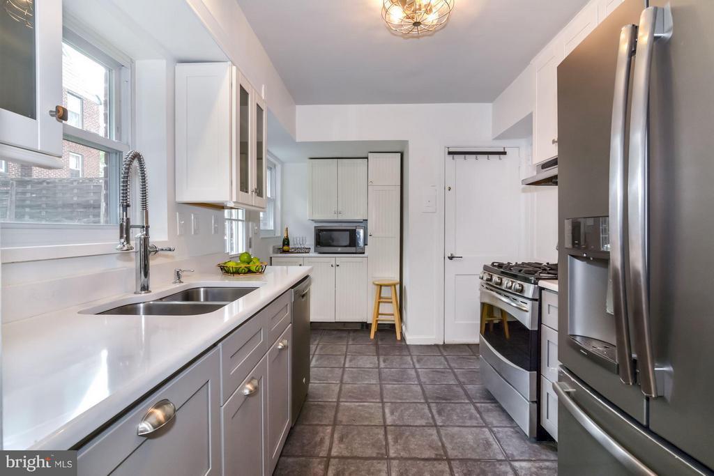 Kitchen - 5731 22ND ST N, ARLINGTON