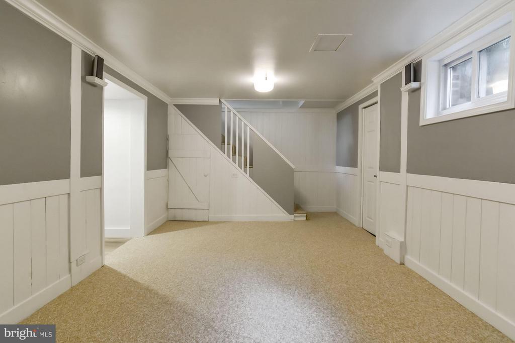 Family Room - 5731 22ND ST N, ARLINGTON