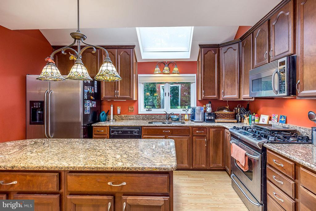 Kitchen - 5233 GLEN MEADOW RD, CENTREVILLE
