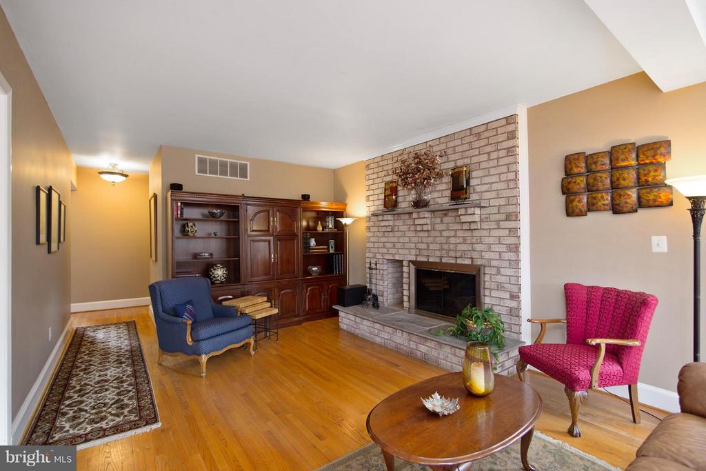 Family Room w/ fireplace - 13300 FOXDEN DR, ROCKVILLE