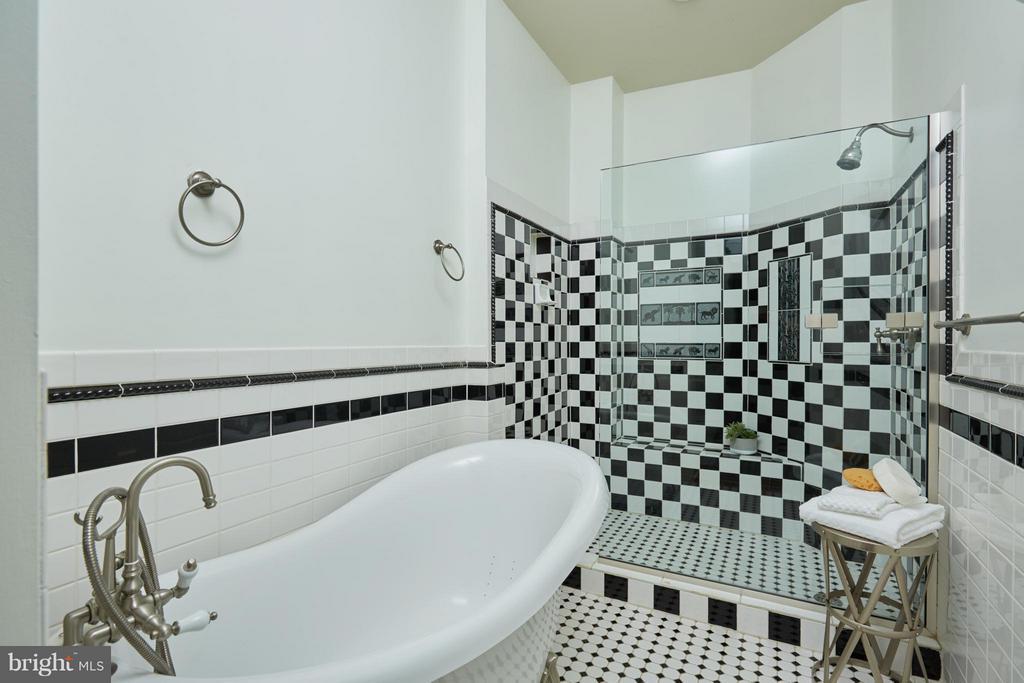 Bath (Master) - 2021 N ST NW, WASHINGTON