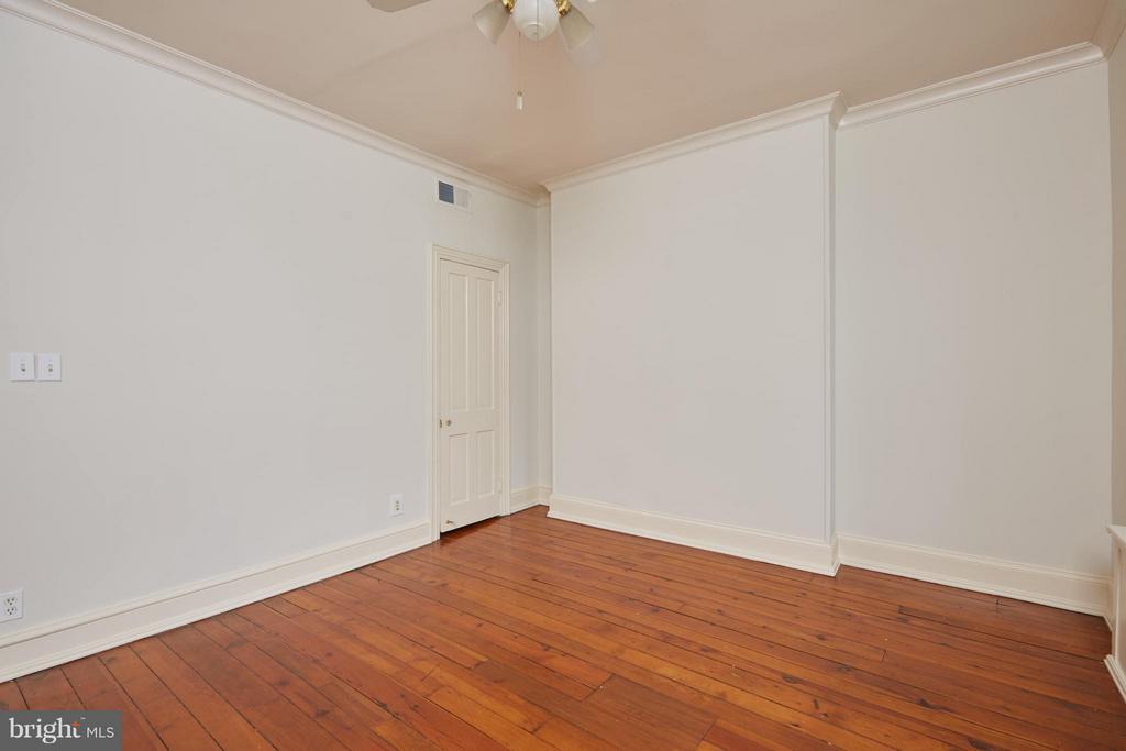 Bedroom - 2021 N ST NW, WASHINGTON