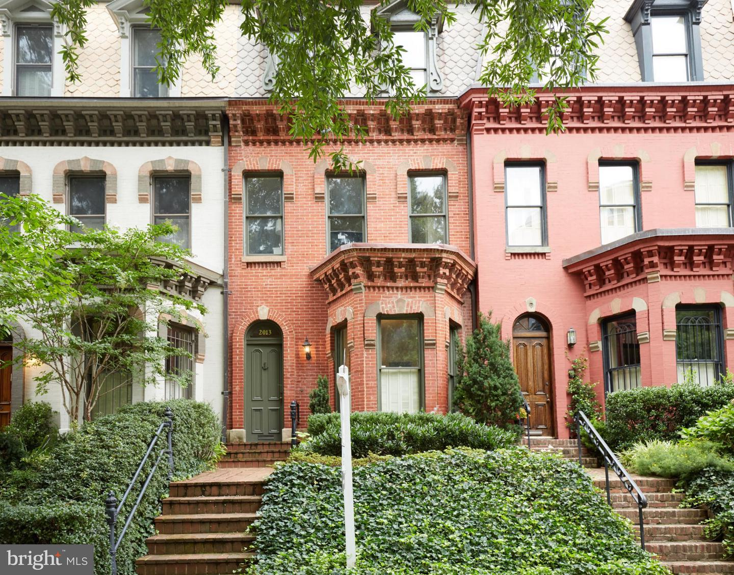 Single Family Home for Sale at 2013 N St NW 2013 N St NW Washington, District Of Columbia 20036 United States