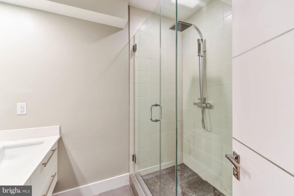 Bath - 1461 CHAPIN ST NW #1, WASHINGTON
