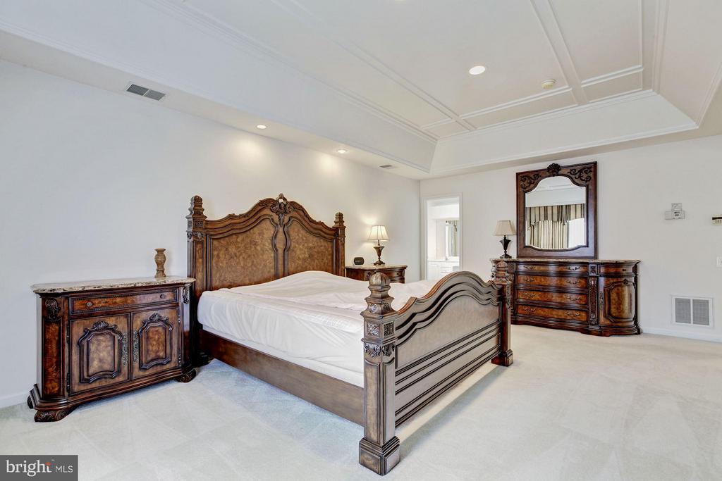 Bedroom (Master) - 2 SANDERLING CT, GERMANTOWN
