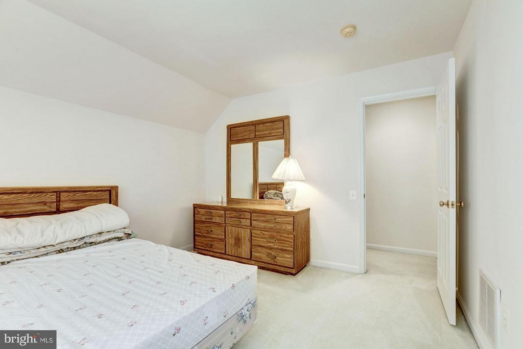 Bedroom - 2 SANDERLING CT, GERMANTOWN