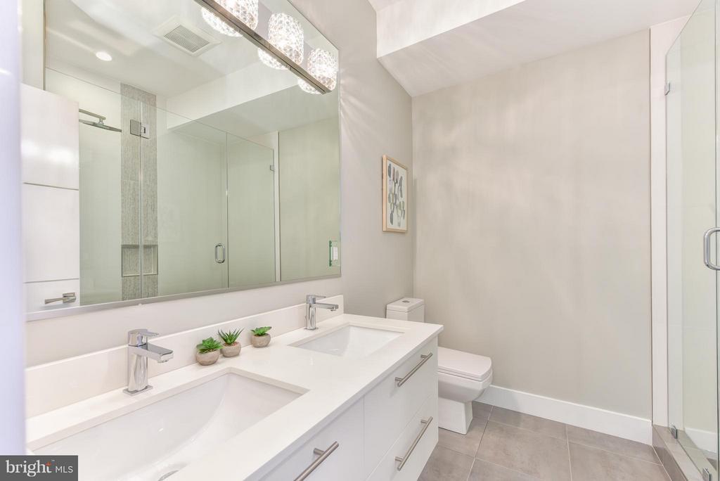 Bath (Master) - 1461 CHAPIN ST NW #3, WASHINGTON
