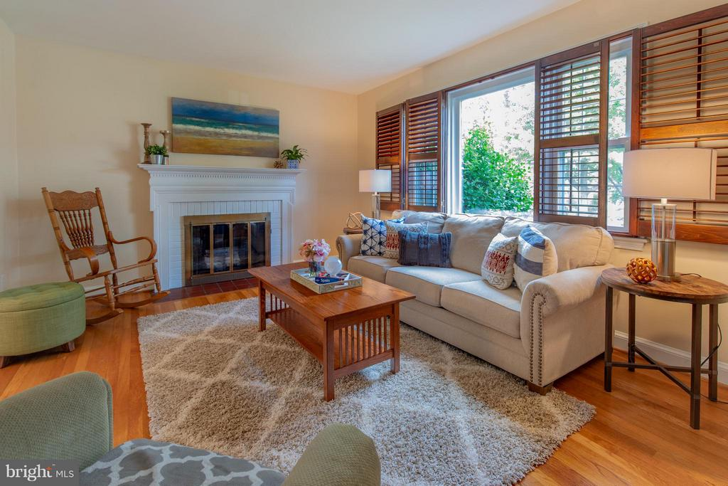 Interior Family Room - 9522 SAYBROOK AVE, SILVER SPRING