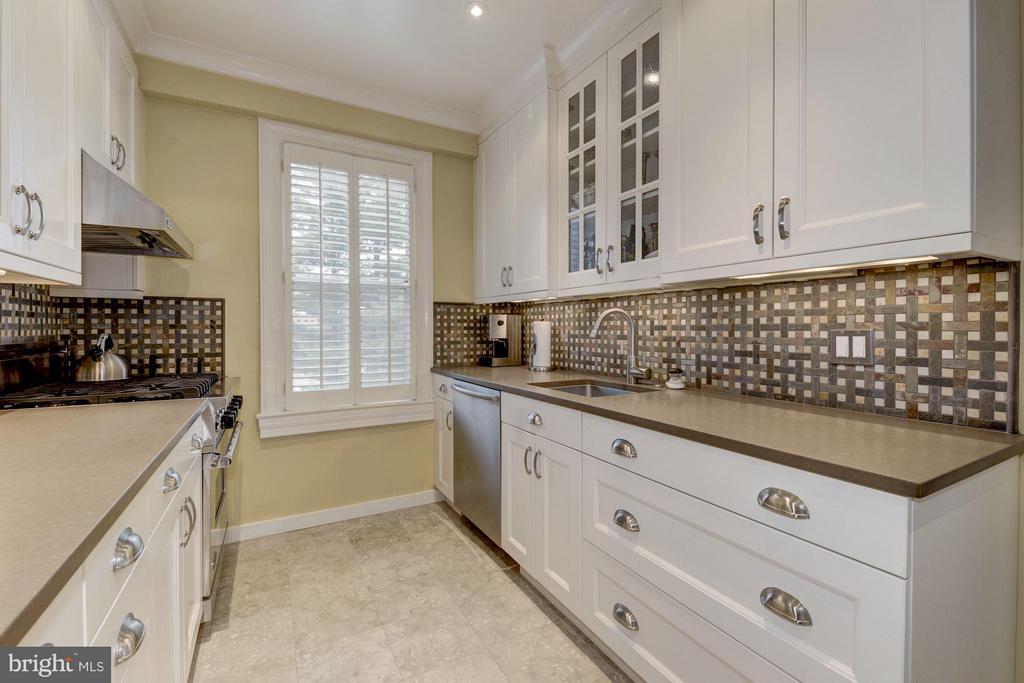 Kitchen - 4000 CATHEDRAL AVE NW #311B, WASHINGTON
