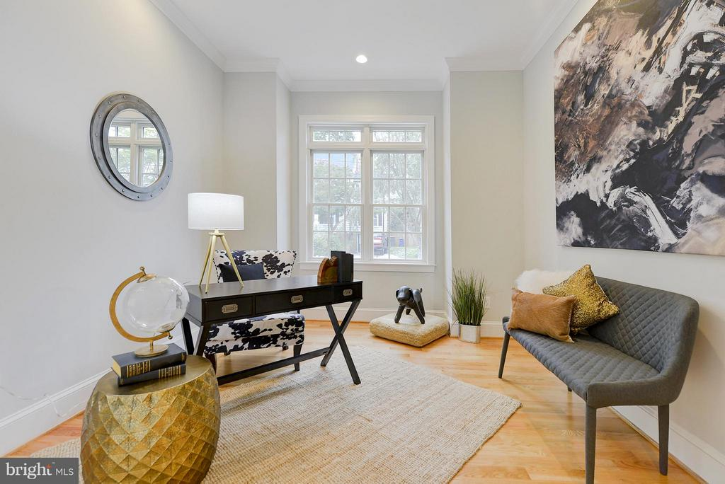 Office/main level bedroom - 3702 HARRISON ST NW, WASHINGTON