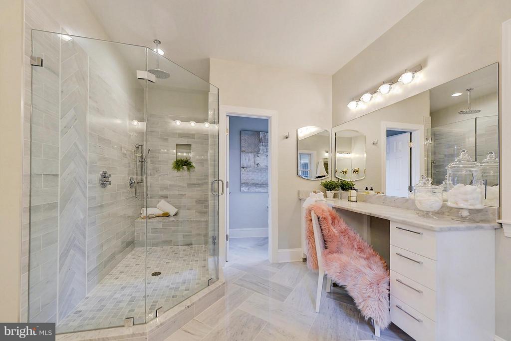 Bath (Master) - 3702 HARRISON ST NW, WASHINGTON