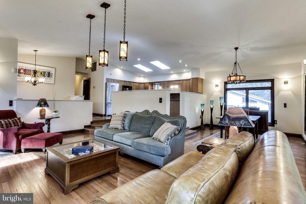 Living Room - 7214 HICKORY ST, FALLS CHURCH