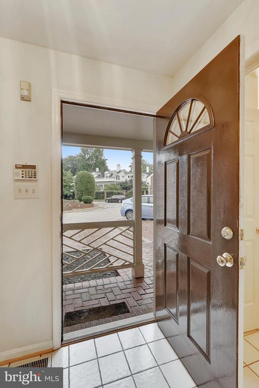 Entrance Hall - 1729 N WAKEFIELD ST, ARLINGTON