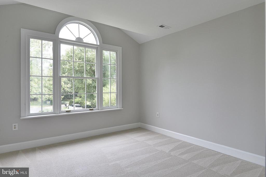 Bedroom #2 - 4308 OAK HILL DR, ANNANDALE