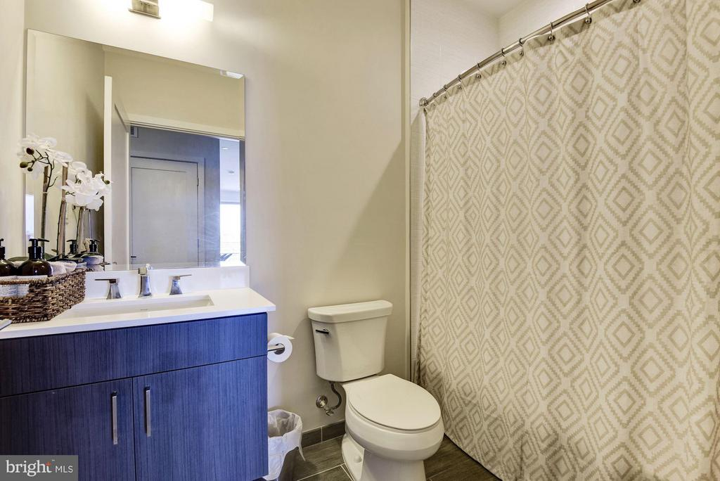 Bath - 1350 MARYLAND AVE NE #410, WASHINGTON