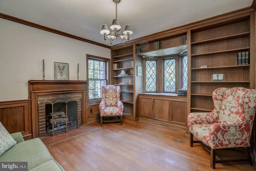 Library/Study - 4960 HILLBROOK LN NW, WASHINGTON