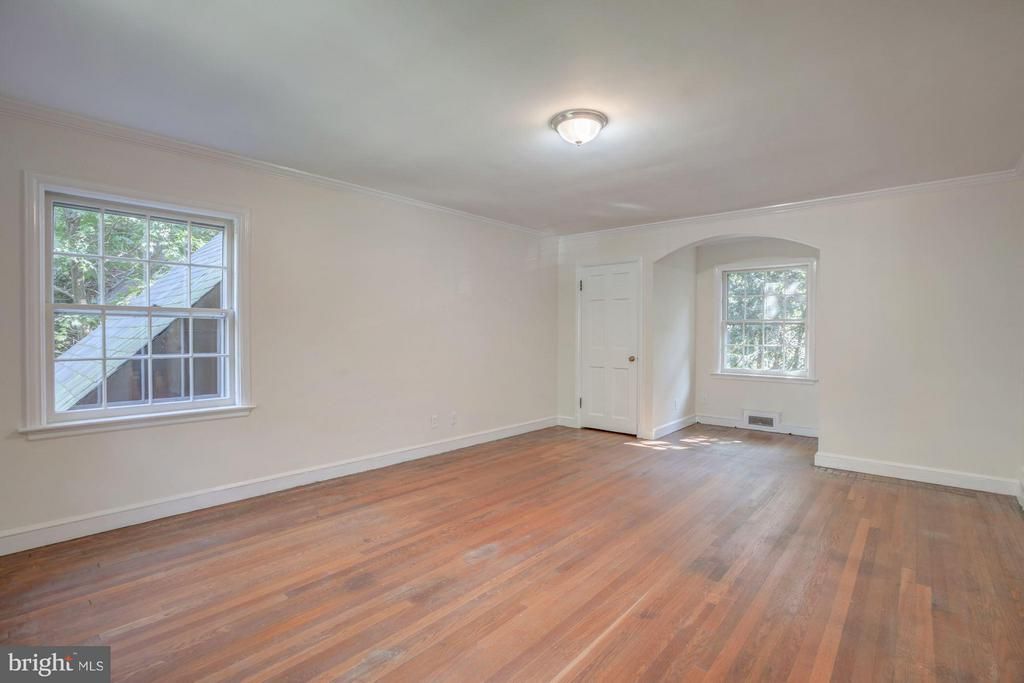 Bedroom (Master) - 4960 HILLBROOK LN NW, WASHINGTON