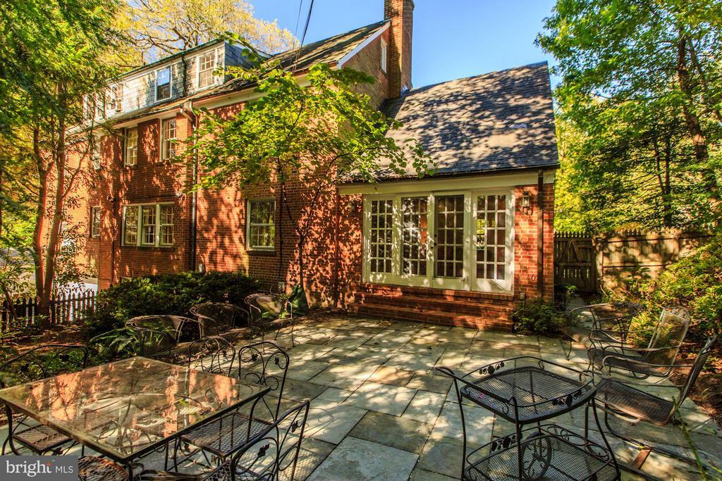 Lovely Patio Area adjacent to Family Room - 4960 HILLBROOK LN NW, WASHINGTON