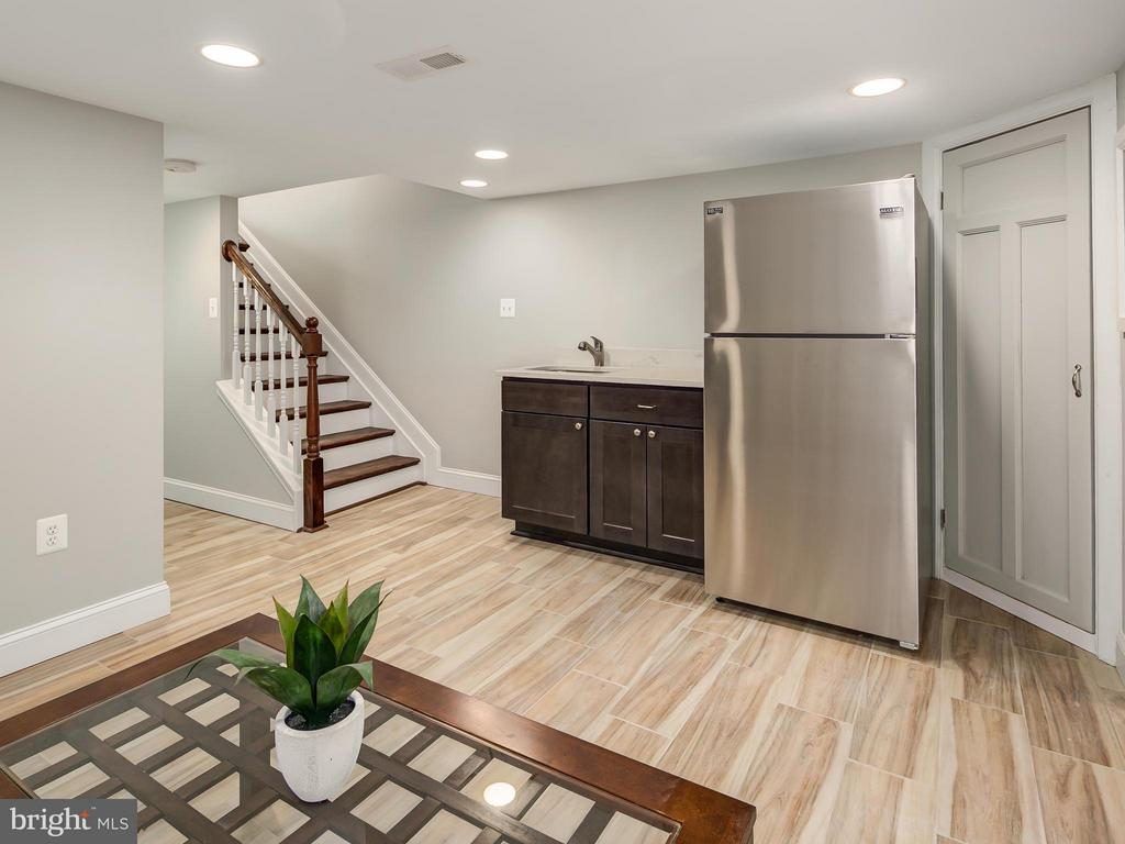 Basement level in-law suite or, - 1118 HOLBROOK ST NE, WASHINGTON