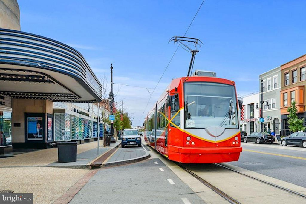 Street Car to metro! - 1118 HOLBROOK ST NE, WASHINGTON