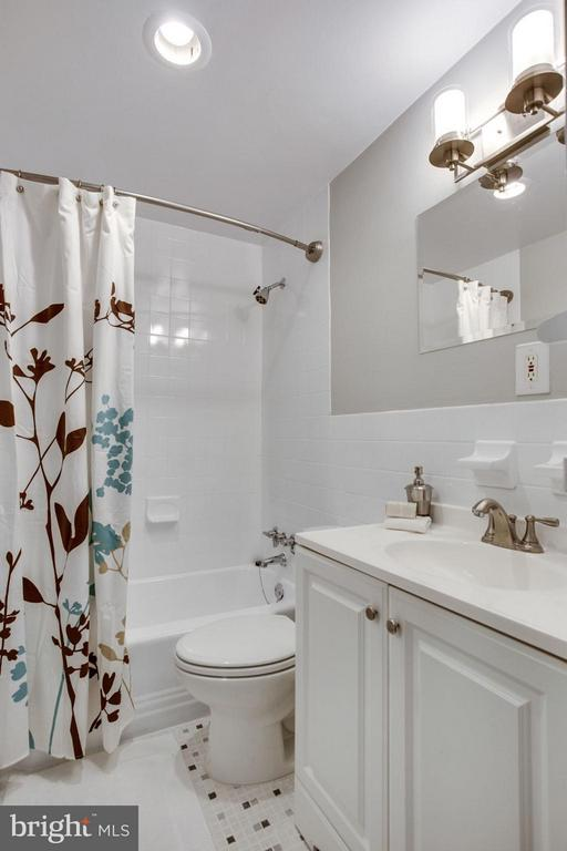 Updated with new lighting and mirror. - 5406 CONNECTICUT AVE NW #407, WASHINGTON